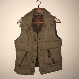 B.B. Dakota herringbone brown vest, EUC.